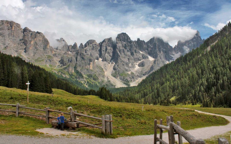 Pale-di-San-Martino-Dolomiti-Val-di-Fiemme.jpg