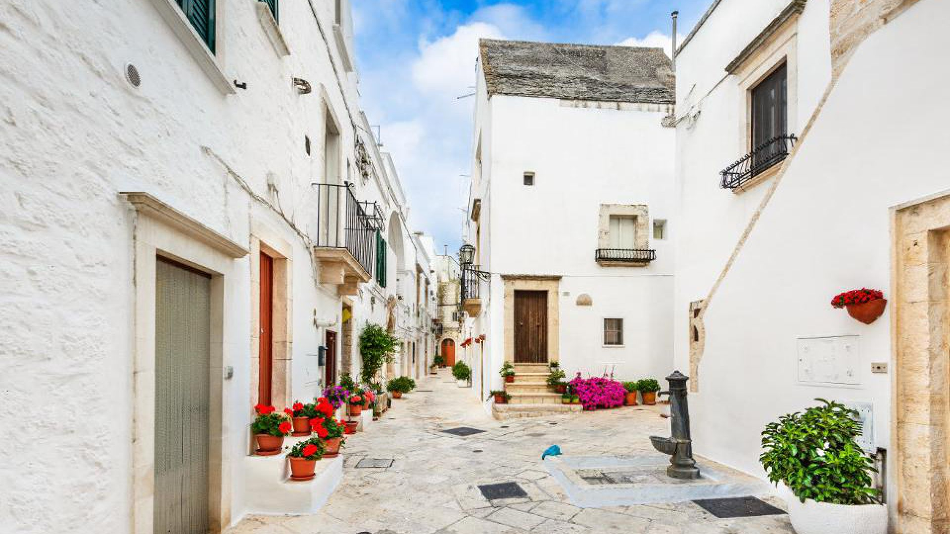 Locorotondo-Puglia.jpg